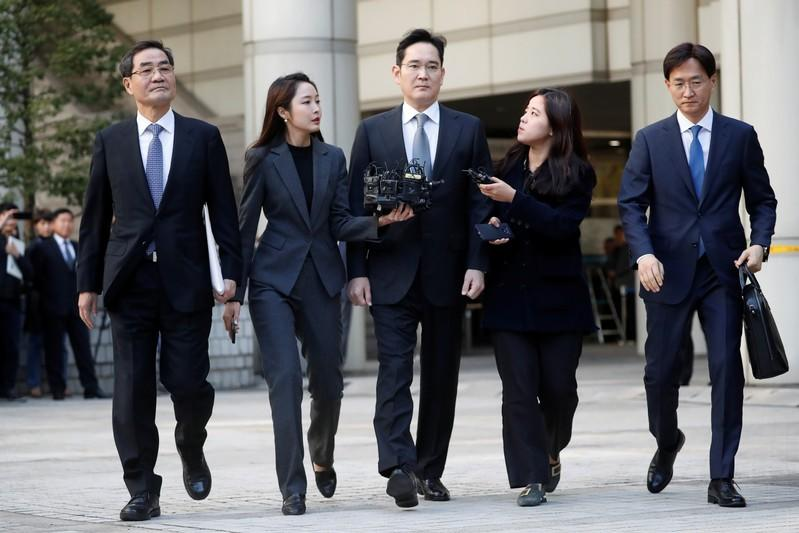 Samsung Electronics Vice Chairman, Jay Y. Lee, leaves the Seoul high court in Seoul