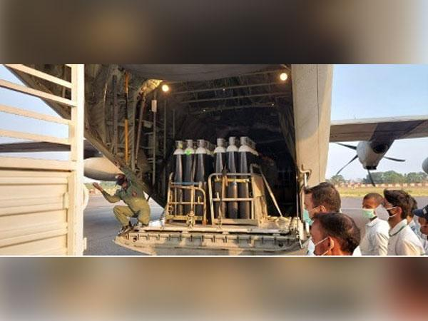 150 Oxygen Cylinders received from the United Kingdom-based British Oxygen Company were delivered this morning at Patna Airport by Indian Air Force (Photo/ANI)