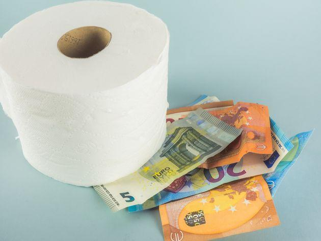 MARCH 2020 - During the COVID 19 coronavirus crisis, toilet paper runs out in supermarkets (Photo: Ana Maria Serrano via Getty Images)