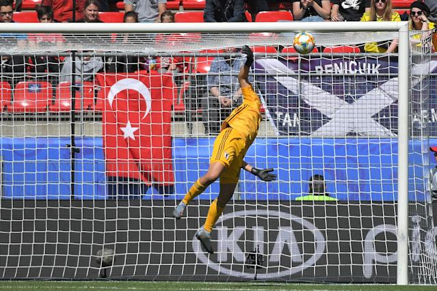 Japan's goalkeeper Ayaka Yamashita concedes a goal during the France 2019 Women's World Cup Group D football match between Japan and Scotland, on June 14, 2019, at the Roazhon Park stadium in Rennes, western France. (Photo by LOIC VENANCE / AFP) (Photo credit should read LOIC VENANCE/AFP/Getty Images)