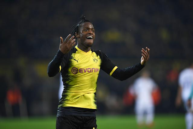 "Michy Batshuayi celebrates on of his two goals for Dortmund against <a class=""link rapid-noclick-resp"" href=""/soccer/teams/atalanta/"" data-ylk=""slk:Atalanta"">Atalanta</a> in a 3-2 first-leg Europa League victory. (Getty)"
