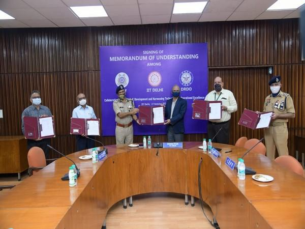 CRPF DG signing MoU with IIT Delhi, DRDO and JATC