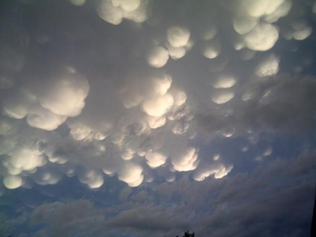 """(Photo courtesy of Maya Henwood/CBC.CA) <br> <br> <a href=""""http://www.cbc.ca/news/canada/saskatchewan/story/2012/06/26/sk-post-storm-sky-120626.html"""" rel=""""nofollow noopener"""" target=""""_blank"""" data-ylk=""""slk:Click here"""" class=""""link rapid-noclick-resp"""">Click here</a> for full story on CBC News"""