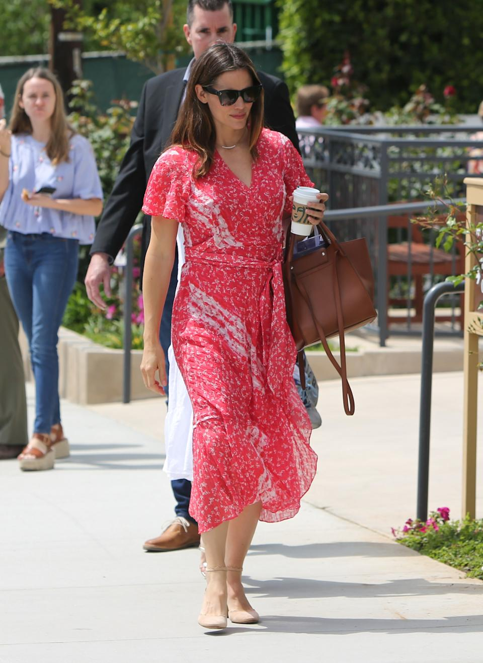 Taylor Swift Wore the Perfect Spring Dress, and It's ...