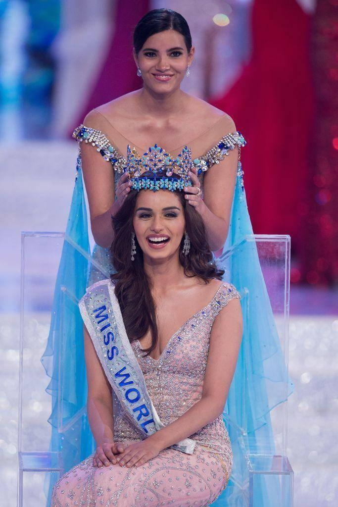 The medical student was crowned the winner by last year's champion Stephanie del Valle of Puerto Rico (AFP/Getty Images)
