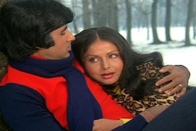 Seeing how matrimony had unraveled, to refuse Yash Chopra when he asked her to play the lead in <em>Kabhie Kabhie</em> opposite Amitabh Bachchan was insurmountable for her, but Gulzar was not very pleased to learn that she had made light of the promise made before marriage and accepted a role in Yash Chopra's next. Gulzaar gave her an ultimatum to choose one out of the two: her career or her marriage.