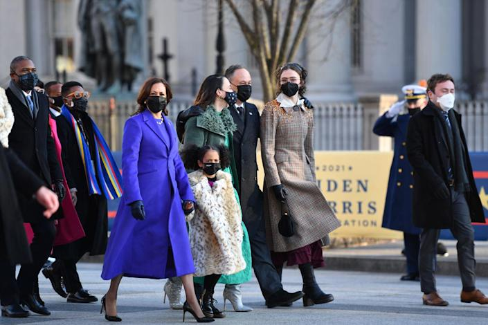 <p>The Harris family also looked like they were enjoying the walk.</p>