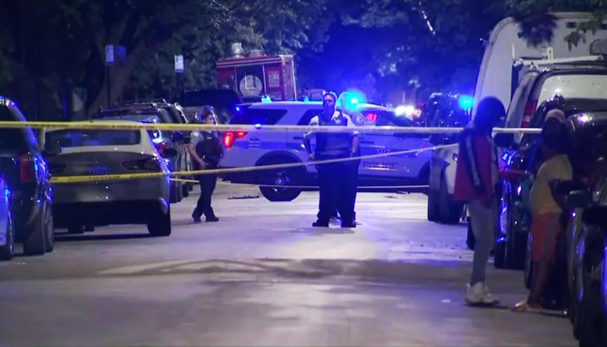 5 wounded in Chicago shooting hours after mass shooting kills 4