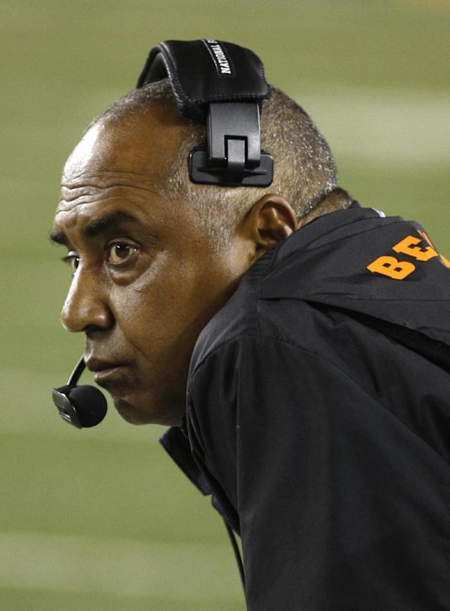 Cincinnati Bengals head coach Marvin Lewis watches from the sidelines in the first half of an NFL football game against the Pittsburgh Steelers, Monday, Sept. 16, 2013, in Cincinnati. (AP Photo/David Kohl)