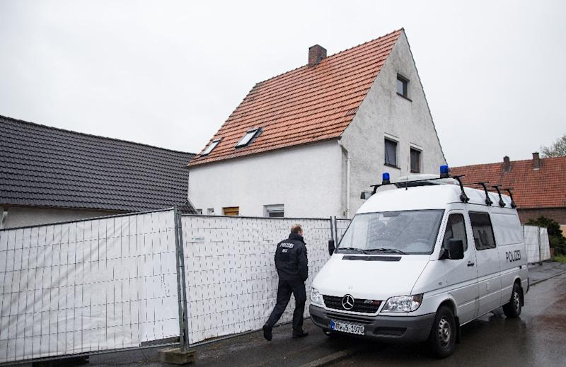 German police set up a security cordon around the house in Hoexter, on May 3, 2016