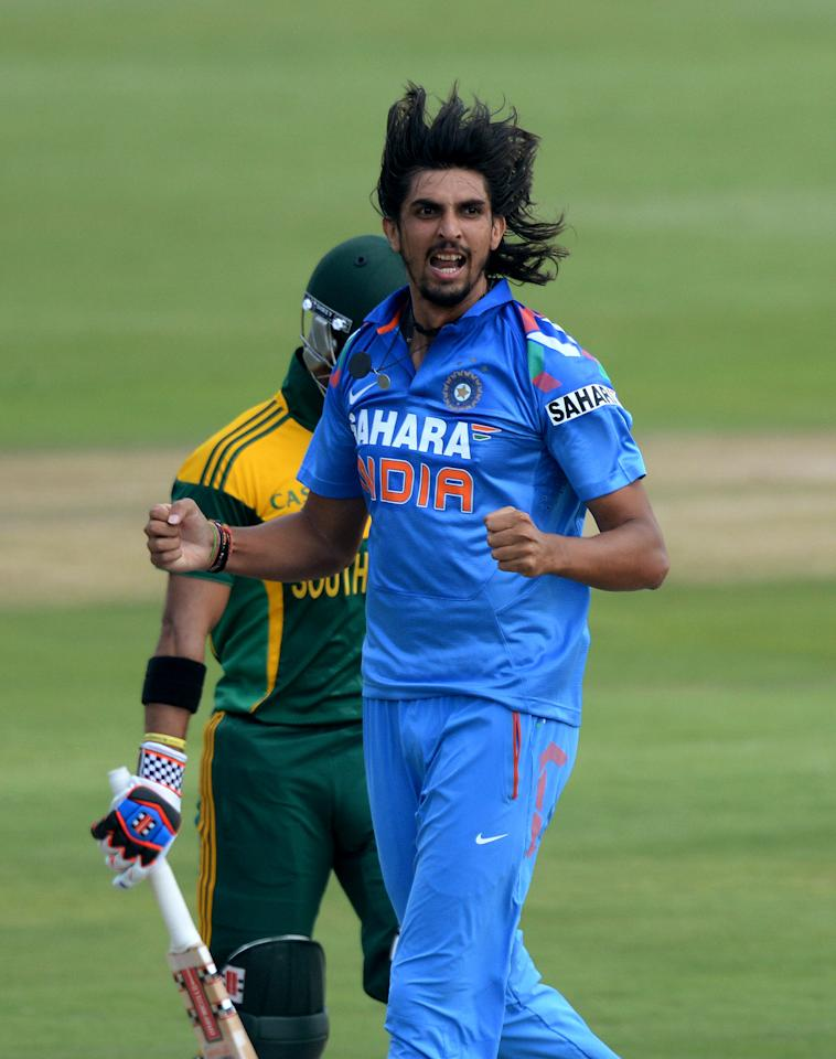CENTURION, SOUTH AFRICA - DECEMBER 11: Ishant Sharma of India celebrates the wicket of JP Duminy for a duck during the 3rd Momentum ODI match between South Africa and India at SuperSport Park on December 11, 2013 in Centurion, South Africa. (Photo by Duif du Toit/Gallo Images/Getty Images)