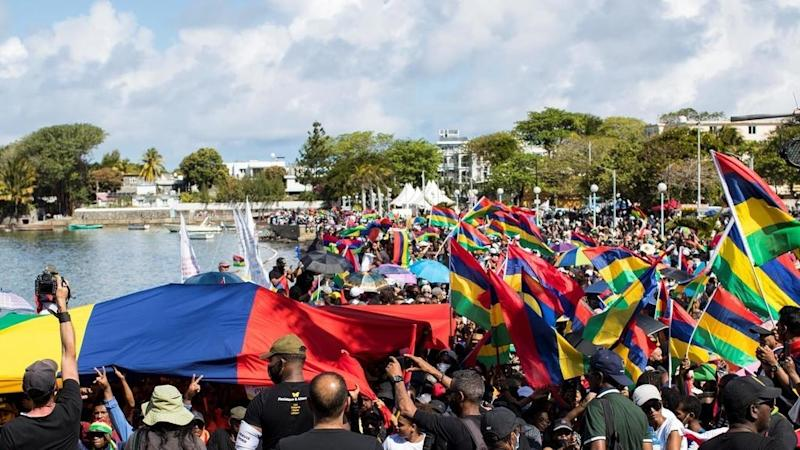 Mauritians march in second post-oil spill protest to demand system overhaul