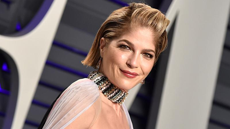 Selma Blair Shares Inspirational Video With Tips for Applying Makeup With Multiple Sclerosis