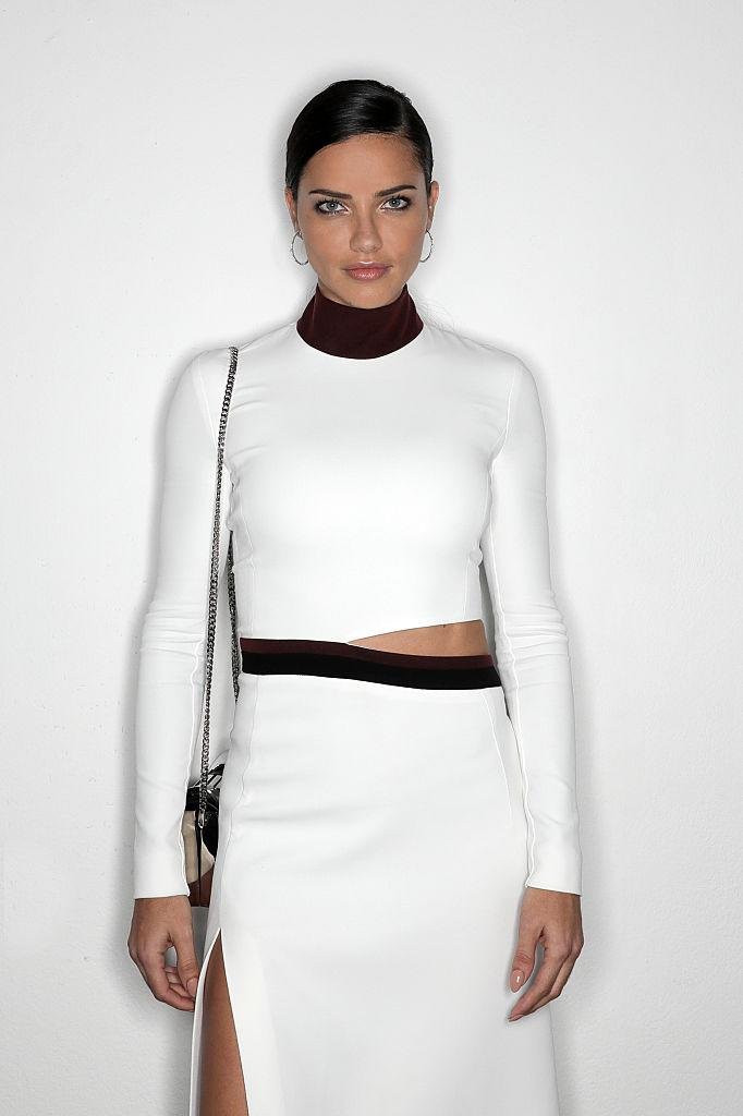 Model Adriana Lima looks amazing with makeup or without. (Photo by Vittorio Zunino Celotto/Getty Images for amfAR)