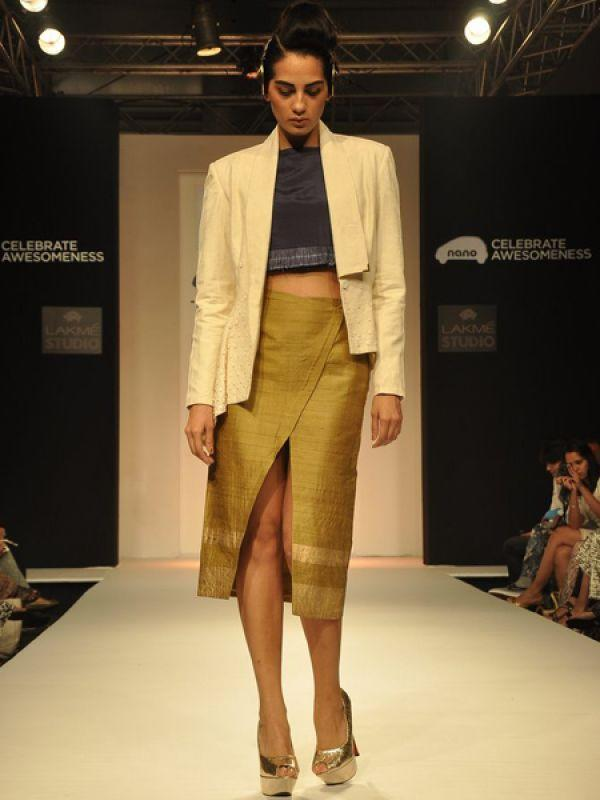 "<p><strong>Threesome</strong>: Delhi-based designers Kanika Seth and Mehak Pruthi, owners of Threesome combined modern crop tops with the traditional fabric, khadi to create this awesome look.<br /><br /><strong>Check out <a href=""http://idiva.com/photogallery-style-beauty/7-runway-trends-you-should-not-miss/23968"" target=""_blank"">7 Runway Trends You Should Not Miss</a></strong></p>"