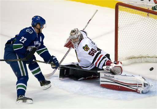 Canucks clinch Northwest with win over Blackhawks