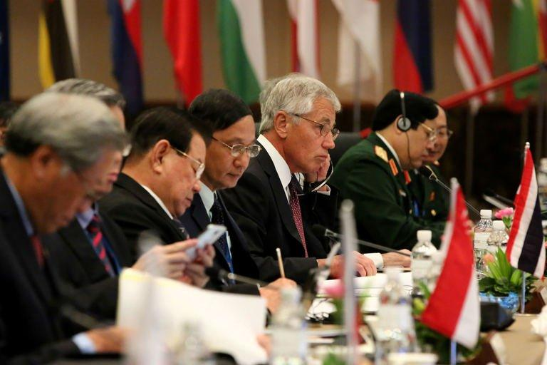 US Secretary of Defense Chuck Hagel (C) attends a meeting in Jerudong on August 29, 2013