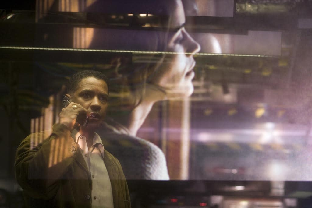 """25. <a href=""""http://movies.yahoo.com/movie/1809275011/info"""">DEJA VU</a>    A police thriller with a time-travel twist, this film features <a href=""""http://movies.yahoo.com/movie/contributor/1800021631"""">Denzel Washington</a> as an ATF agent investigating a terrorist attack. He soon becomes part of a secret government program that can literally peer back into the past."""