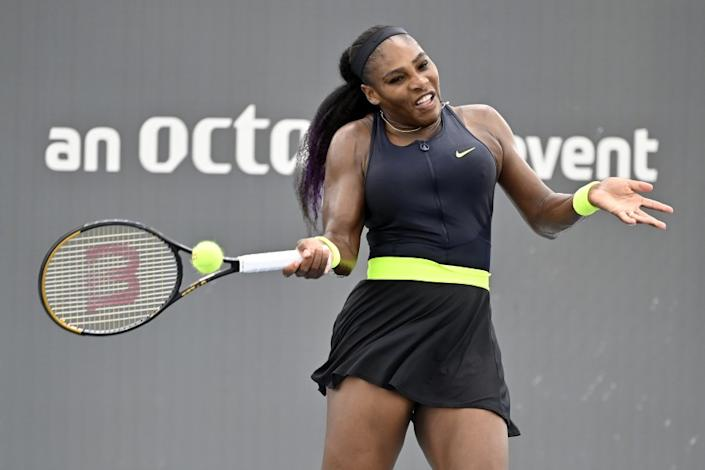 Serena Williams rallies to defeat sister Venus at Top Seed ...