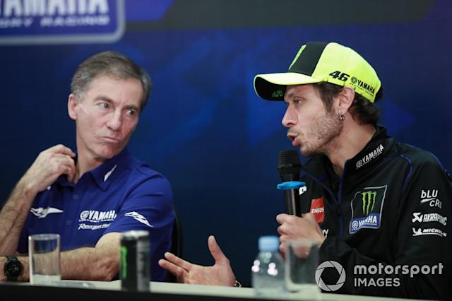 "Lin Jarvis, Valentino Rossi, Yamaha Factory Racing <span class=""copyright"">Gold and Goose / Motorsport Images</span>"