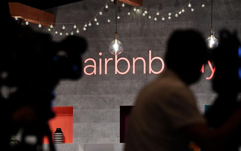 Airbnb reports flaw that allowed hosts to see other users' inboxes
