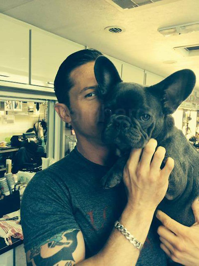 """<p>Hardy neatly summed up his outlook on dogs in a 2012 interview: """"I don't have any friends,"""" he told ScreenCrave. """"So I like to keep [to] myself. I have a dog and a son. A dog couldn't do anything to upset me, you know, and neither could my son."""" (Photo: <a rel=""""nofollow noopener"""" href=""""https://www.facebook.com/TomHardyUK/photos/a.643638628980503.1073741829.555896884421345/836882072989490/?type=3&theater"""" target=""""_blank"""" data-ylk=""""slk:Tom Hardy via Facebook"""" class=""""link rapid-noclick-resp"""">Tom Hardy via Facebook</a>)<br><br></p>"""