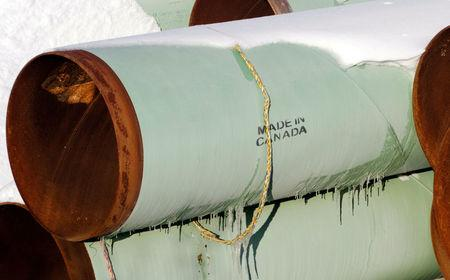 FILE PHOTO: A depot used to store pipes for Transcanada Corp's planned Keystone XL oil pipeline is seen in Gascoyne, North Dakota, U.S. on November 14, 2014.  REUTERS/Andrew Cullen/File Photo