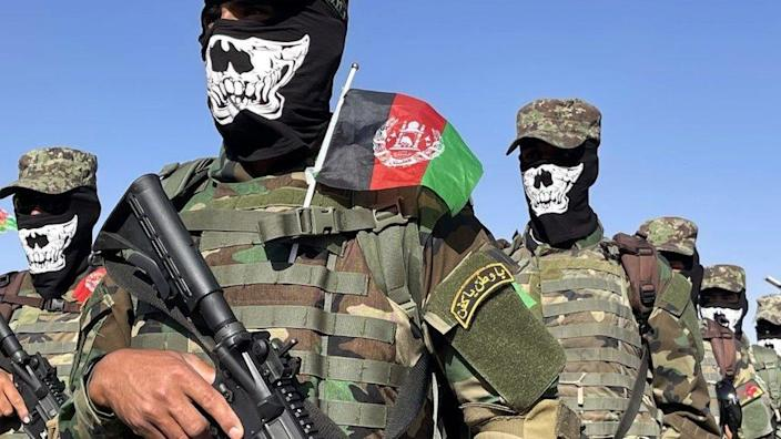 Afghan special force commando unit officers and soldiers attend a graduation ceremony at the military academy in Kabul, Afghanistan