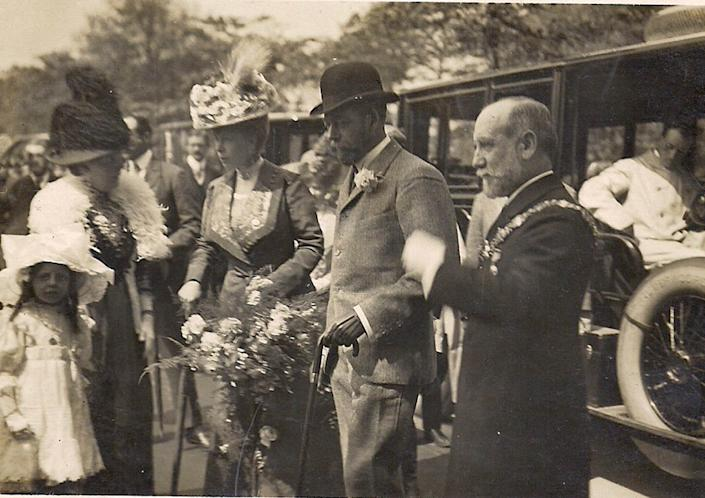 Queen Mary and King George V (both in the center) are flanked by the Mayor of Rotherham Alderman P Bancroft Coward (far right) and his wife during their July 8-12, 1912, visit. | Wentworth Woodhouse Preservation Trust