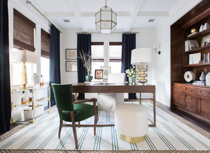 """<h1 class=""""title"""">Marie Flanigan's WFH space</h1> <div class=""""caption""""> Houston-based designer Marie Flanigan suggests experimenting: """"Consider rethinking the layout of a space to make it work better for you! Now is the time to experiment and play with the setup of your room."""" </div>"""