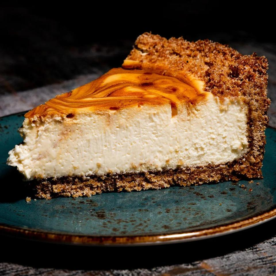 Cotton Blues Sea-Salted Caramel Swirl Cheesecake, Best Valentine's Day Gifts for Men