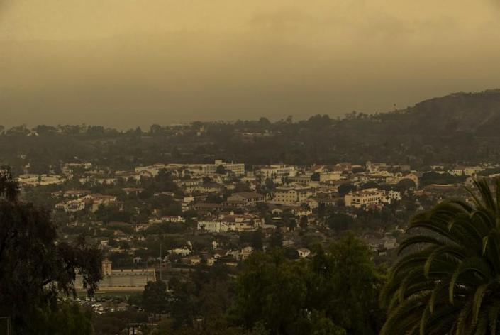 SANTA BARBARA, CA -SEPTEMBER 24, 2021: Overall, shows the view from Alameda Padre Serra Drive in Santa Barbara. The poor air quality is due to the smoke from the wildfires burning in Northern California. (Mel Melcon / Los Angeles Times)
