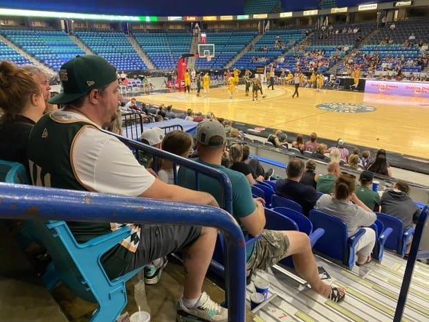 The Saskatchewan Rattlers fell to the Edmonton Stingers Monday night but were cheered on by fans throughout the game.  (Trevor Bothorel/CBC - image credit)