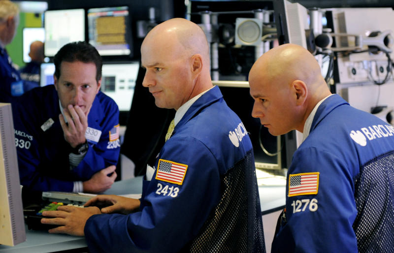 Stocks mixed after FedEx gives a glum outlook