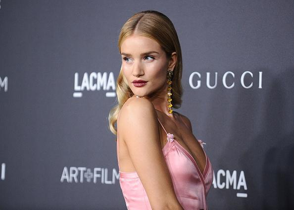 We are obsessed with Rosie Huntington-Whiteley's INCREDIBLE satin gown