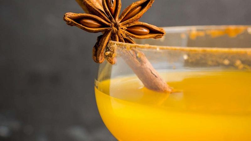 Cheers to this keto-friendly pumpkin spice cocktail