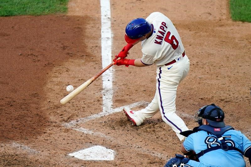 Harper rallies Phils past Blue Jays to sweep doubleheader