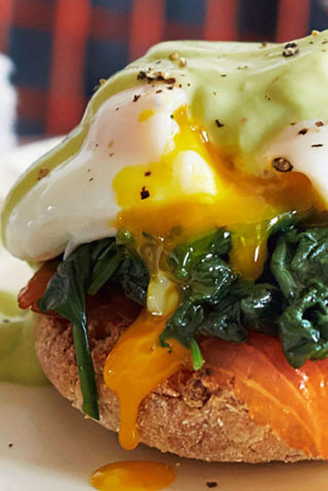 "<p>Forget to make a Mother's Day brunch res? Whip up this easy salmon <a rel=""nofollow"" href=""http://www.drozthegoodlife.com/healthy-food-nutrition/healthy-recipe-ideas/tips/g449/best-lobster-recipes/?slide=6"">eggs Benedict</a> (you read that right, an <i>easy</i> eggs Benedict) and bring the restaurant quality to her (in bed, obviously). Our avocado ""hollandaise"" sauce puts a healthy twist on this decadent dish.</p><p>Grab the recipe <a rel=""nofollow"" href=""http://www.drozthegoodlife.com/healthy-food-nutrition/healthy-recipe-ideas/recipes/a3405/salmon-eggs-benedict-with-spinach-avocado-sauce/ "">here</a>.<span></span></p>"