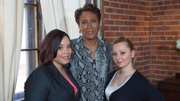 PHOTO: ABC News' Robin Roberts conducts the first broadcast interview with Cleveland kidnapping survivors, Amanda Berry and Gina DeJesus. (Heidi Gutman/ABC )