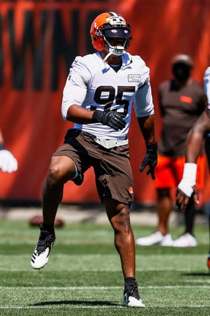 Browns CB Johnson lacerates liver on routine practice play