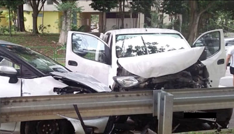 Car Swerves Abruptly And Hits Foodpanda Rider 4 People Taken To