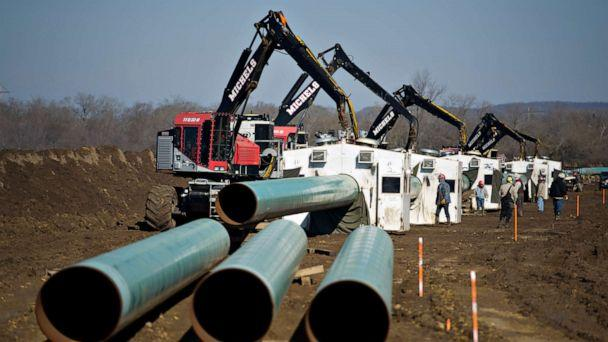 PHOTO:Weld shacks sit over pipe joints during construction of the Gulf Coast Project pipeline in Atoka, Okla., March 11, 2013. (Daniel Acker/Bloomberg via Getty Images)