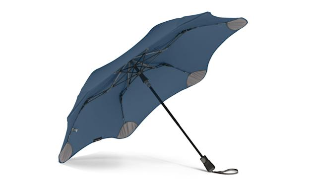 Blunt's unique Radial Tensioning System redirects, transfers, and distributes the effort used in opening the umbrella throughout the entire canopy surface. (Photo: Courtesy of Blunt)