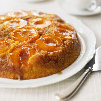 <p>This cake demands to be eaten in the summertime, al fresco.</p><p>Get the recipe from <span>Delish</span>.</p>