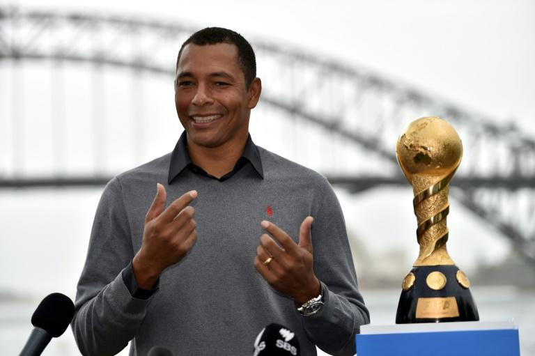 World Cup winning midfielder Gilberto Silva persuaded Brazil compatriot Fred to join Manchester United and not rivals Manchester City