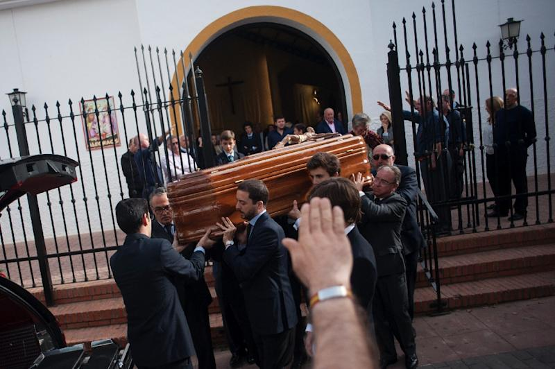 "Mourners at Molina's funeral sang the ""Cara al sol"" anthem of the Spanish Phalanx fascist party (AFP Photo/JORGE GUERRERO)"
