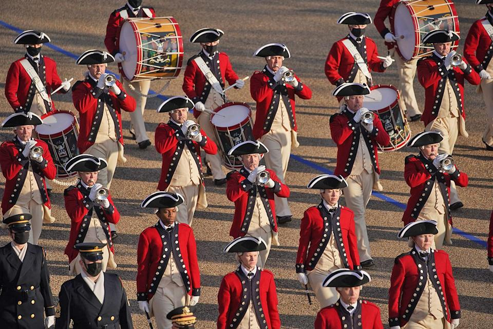 <p>The Old Guard Fife and Drum Corps perform as they make their way down Pennsylvania Avenue. </p>