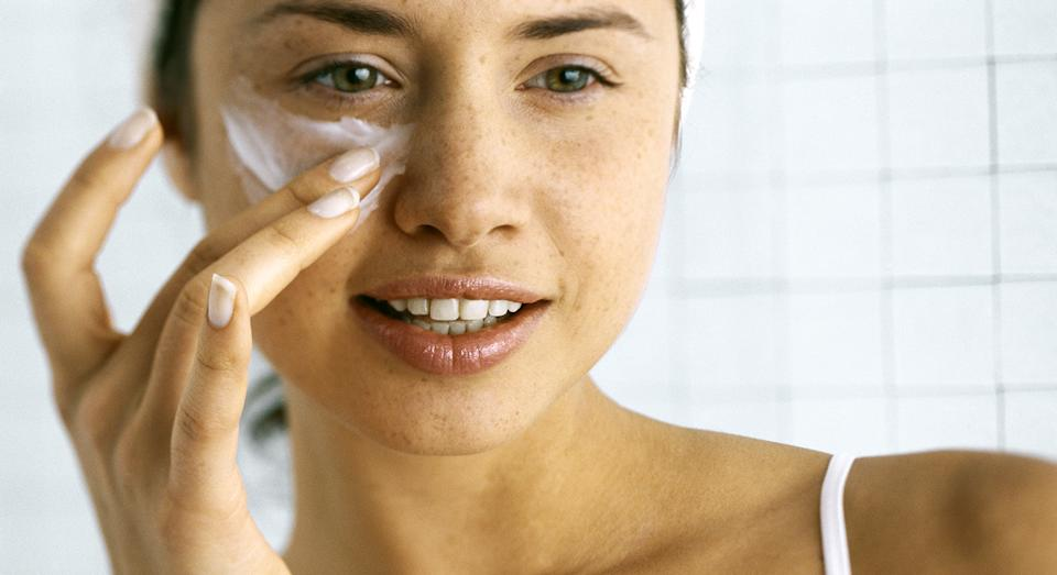 Olay's top-rated eye cream is now only £10 in Boots' £10 Tuesday deal.  (Getty Images)