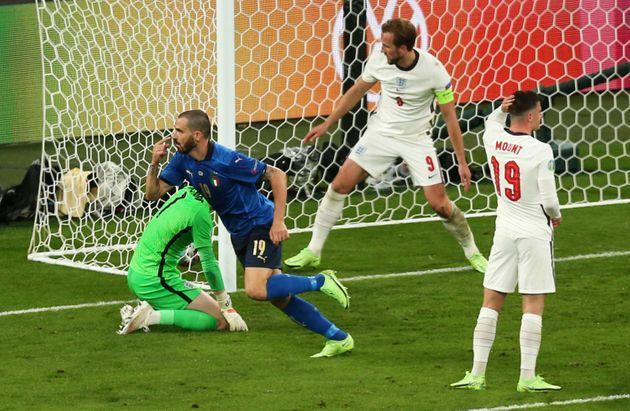 LONDON, ENGLAND - JULY 11: Leonardo Bonucci of Italy celebrates after scoring their team's first goal during the UEFA Euro 2020 Championship Final between Italy and England at Wembley Stadium on July 11, 2021 in London, England. (Photo by Alex Morton - UEFA/UEFA via Getty Images) (Photo: Alex Morton - UEFA via Getty Images)