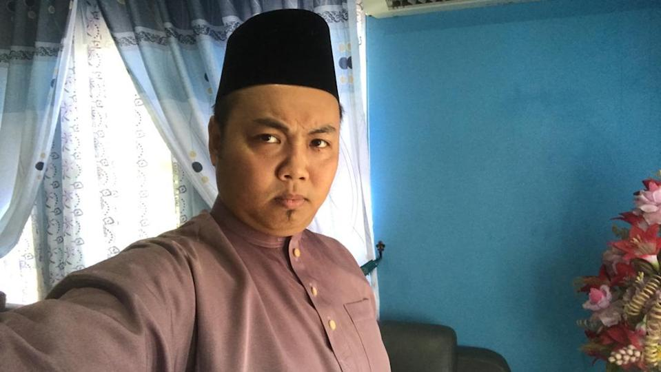 Azamri Dollah sent a selfie to his family on the first day of Raya last year. — Picture courtesy of Azamri Dollah